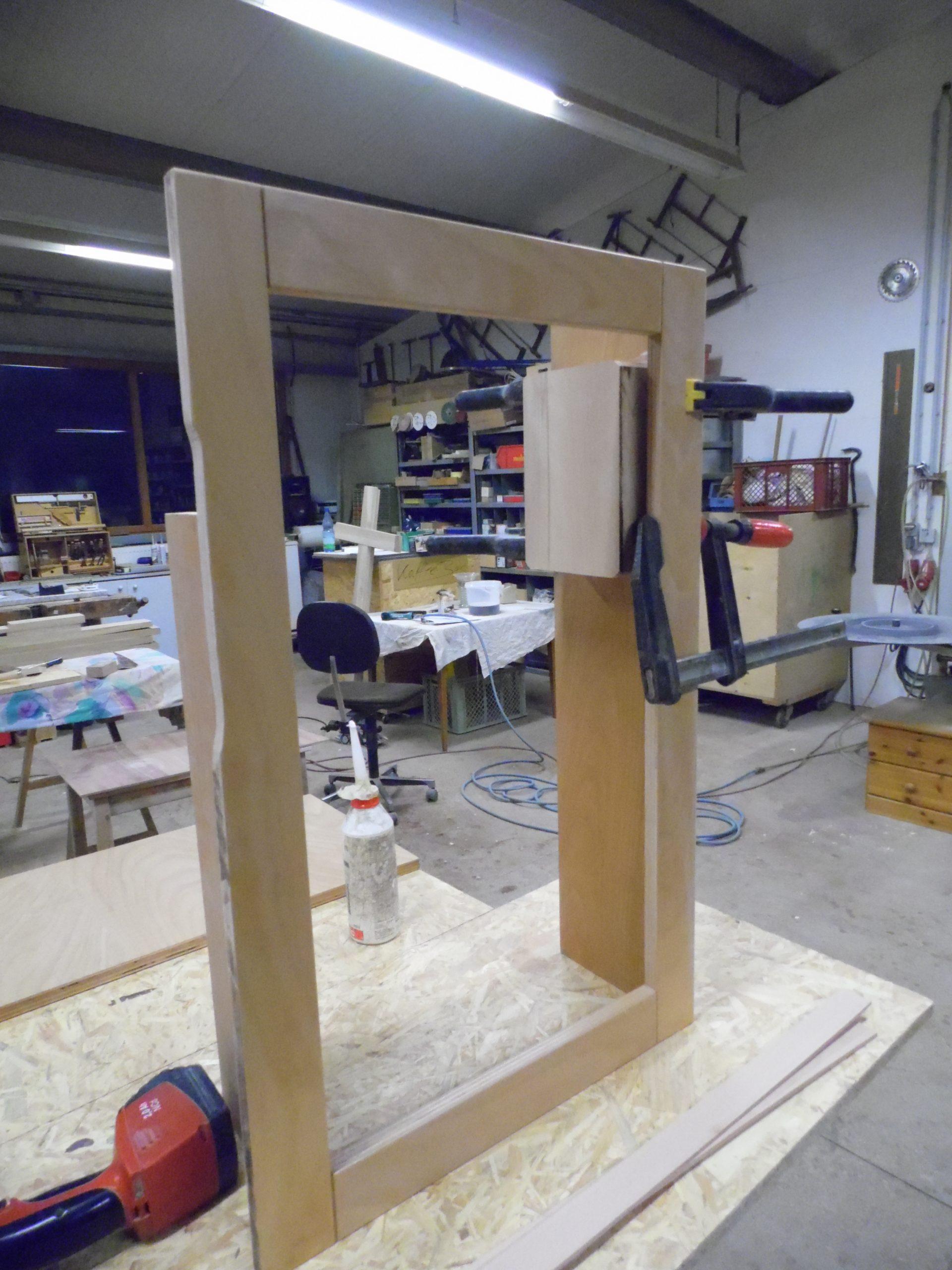 Herstellung eines Fensterrahmens