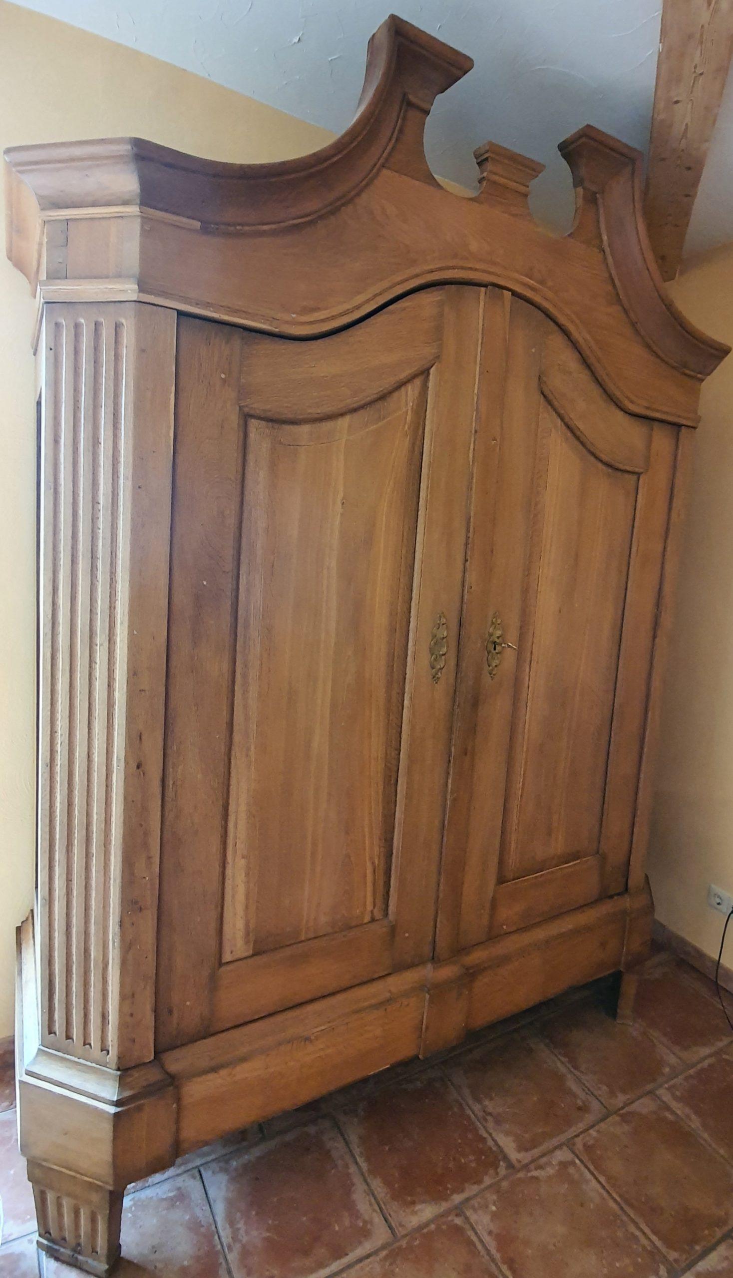 restaurierter Schrank